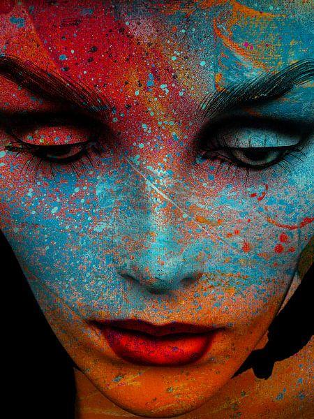 The painted face von Gabi Hampe
