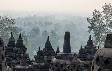 Un moment mystique au Borobudur sur Juriaan Wossink