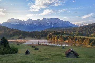 Geroldsee in Beieren bij zonsopgang van Anneliese Grünwald-Märkl