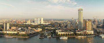 Panorama skyline Rotterdam van Ilya Korzelius