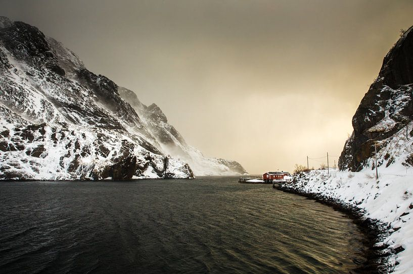 Rorbu in Nusfjord van Nando Harmsen