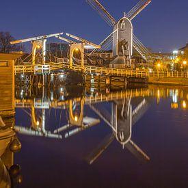 Leiden by Night - Molen de Put en Rembrandtbrug - 2 van Tux Photography