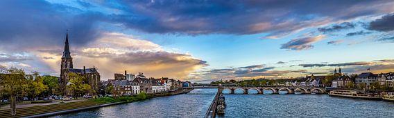 Regenwolken boven Maastricht - Mestreech I