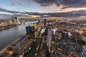 Skyline bij de nieuwe Maas van Prachtig Rotterdam