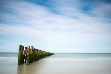 Paaltjes aan zee von Elles Rijsdijk
