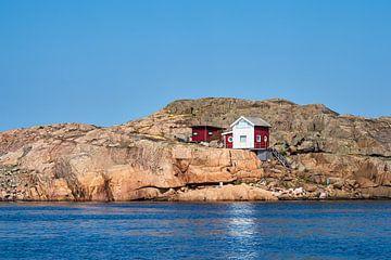 Bouwen op een archipel eiland voor de stad Fjällbacka in Zweden van Rico Ködder