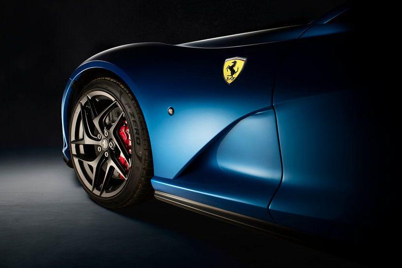 Ferrari 812 Superfast van Thomas Boudewijn