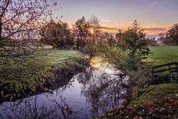 Sonnenaufgang am Fluss Geul von Rob Boon
