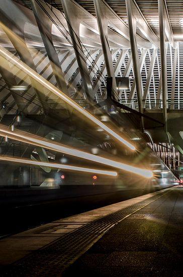 Trein departure Station Luik-Guillemins van Photography by Karim
