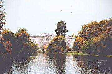 Buckingham Palace - ein Hauch englischer Herbst von Daphne Groeneveld