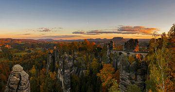 Basteifelsen im Elbsandsteingebirge von Frank Herrmann