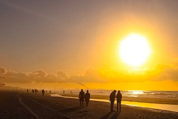 Sonne am Meer von Scarlett van Kakerken