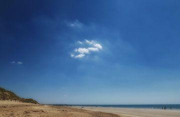 Een eenzame wolk van Hans Heemsbergen