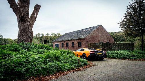 Oranje Lamborghini Murcielago LP670-SV van