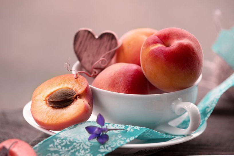 Pfirsich vitaminreicher Genuss zur Sommerzeit von Tanja Riedel