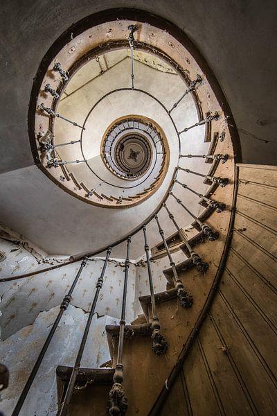 Treppenhaus mit Spirale in der Villa von Inge van den Brande