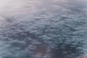 Van boven het wolkendek van Maarten Borsje
