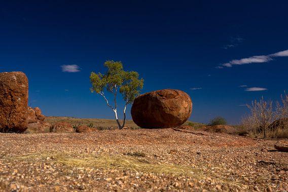 Devils Marbles, Australië van Tessa Louwerens