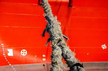 Trossen in de haven IJmuiden. van scheepskijkerhavenfotografie