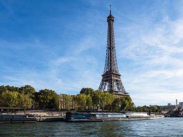 Blick auf den Eiffelturm in Paris, Frankreich von Rico Ködder
