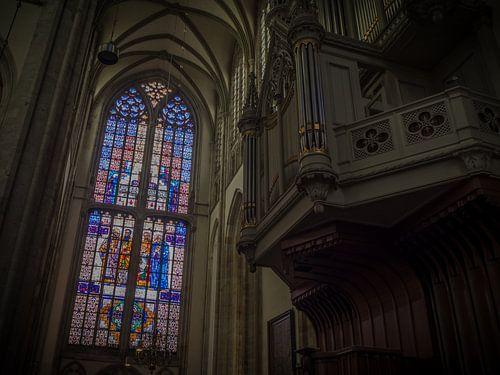 Evangelistenraam en orgel in de Utrechtse Domkerk