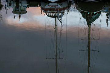 Reflectie yachten van Cathfish photography by Cathie Lefieuw
