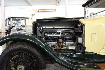 De motor van een Rolls Royce van Mavin Taschik