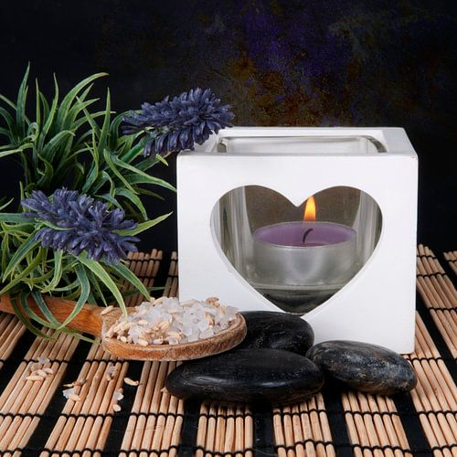 kaars met lavendel en hotstones van Patricia Verbruggen