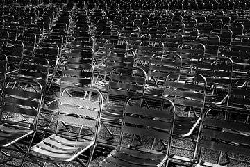 Der mehr als gleichwertige Stuhl unter den anderen von Lieven Tomme