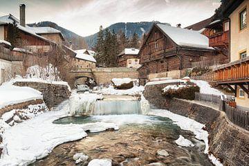 Dorfszene von Mauterndorf in Österreich von Evert Jan Luchies