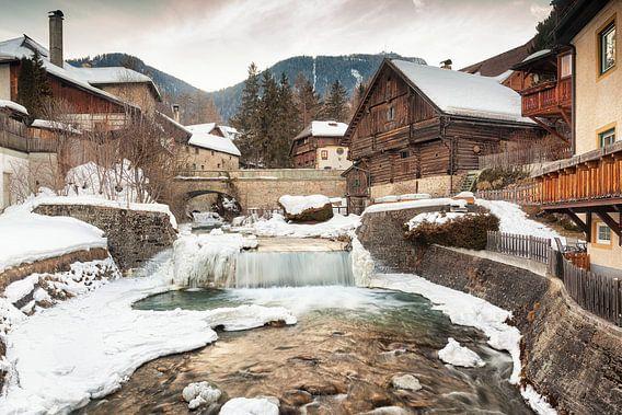 Dorpsgezicht Mauterndorf in Oostenrijk van Evert Jan Luchies