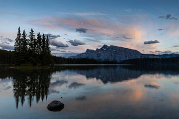 Two Jack Lake in Kanada von Roland Brack