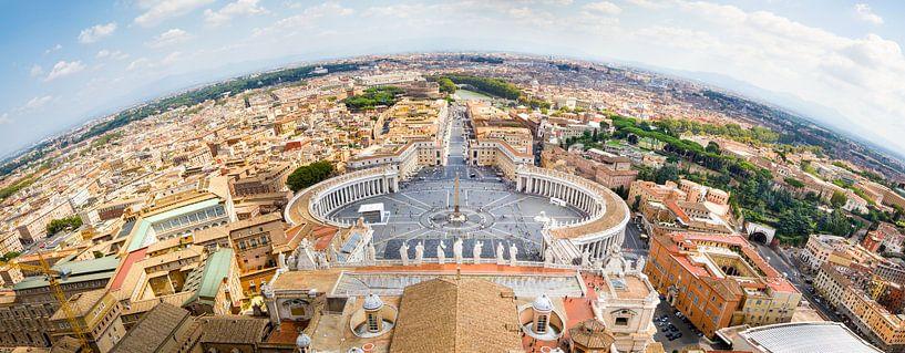 Uitzicht over Rome vanaf koepel van de St Pieter van Studio Wanderlove
