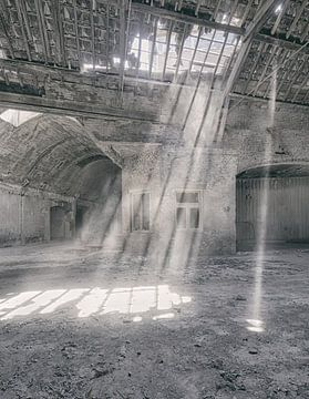 Verlaten plekken: Sphinx fabriek Maastricht lichtstralen sur Olaf Kramer