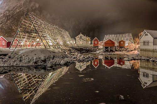 Svolvaer in de avond (Noorwegen) van