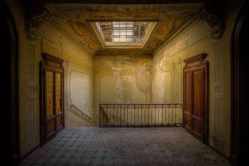 Trappenhal in Italiaanse villa van Wesley Van Vijfeijken