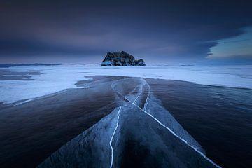 IJsscheuren in het Baikalmeer