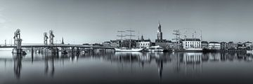 Kampen skyline panorama Zwart-wit #3 von Edwin Mooijaart