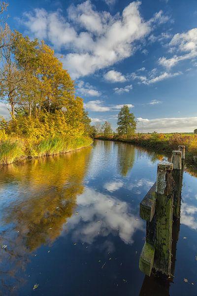 Autumn afternoon at Damsterdiep canal near Winneweer sur Ron Buist
