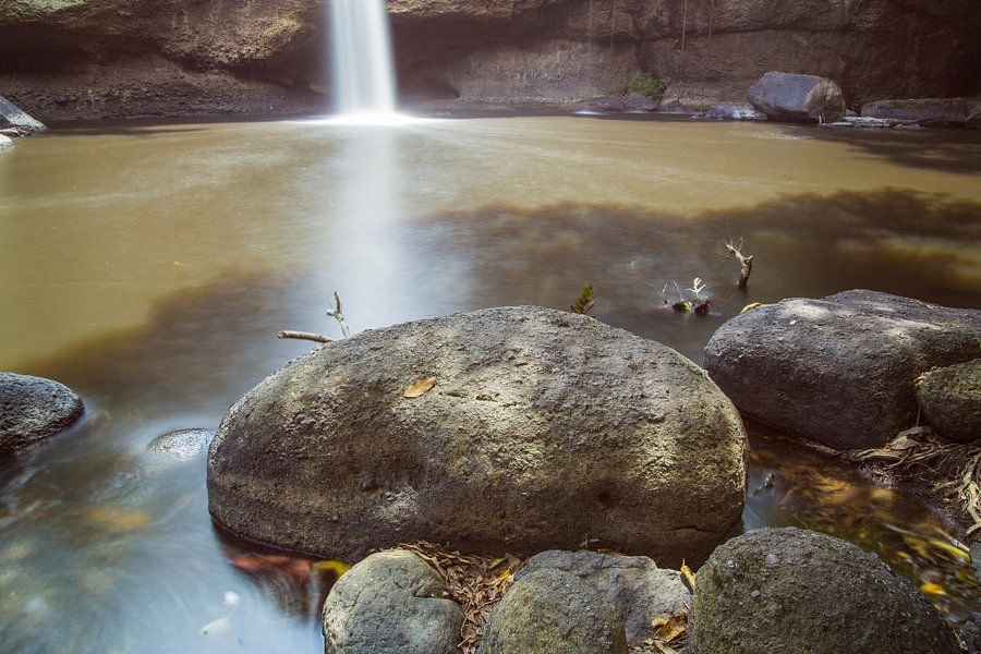 Hew Su Wat Waterval, Khao Yai National Park van Johan Zwarthoed