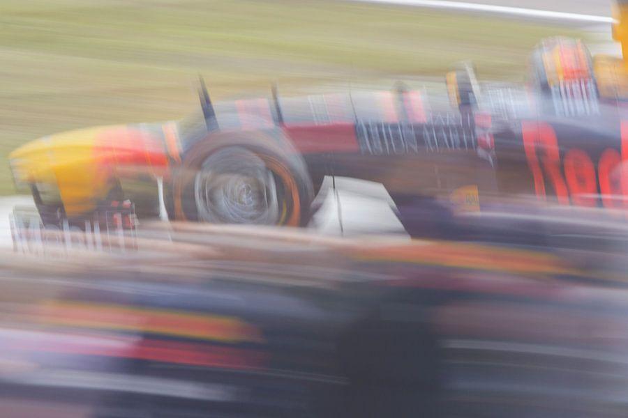 Max Verstappen op volle snelheid over Zandvoort van Remco Van Daalen