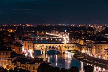 Ponte Vecchio aan de Arno in de nacht van Atelier Liesjes