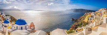 Dorf Oia auf der Insel Santorin in Griechenland von Fine Art Fotografie
