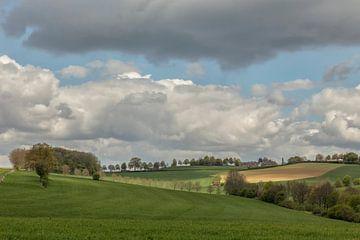 Dreigende wolken boven de Huls van