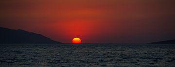 Zonsondergang in de zee