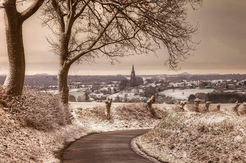Kerkdorp Vijlen in de sneeuw van John Kreukniet