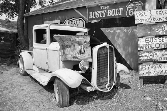 Oude auto langs de Route 66