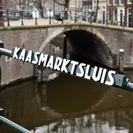 Amsterdam Brücke und Schleuse von Inge van den Brande