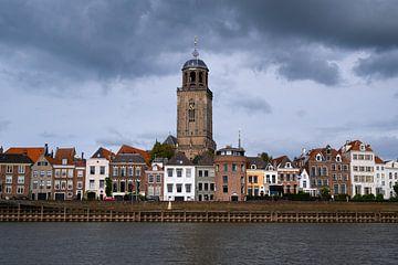 Stadtlandschaft: Deventer aus dem Wasser von Elles van der Veen