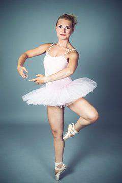 Dancing 2 van Irene Hoekstra